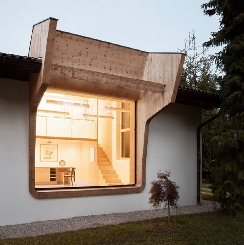 Workshop with spacious windows and stunning views in Northern Italy
