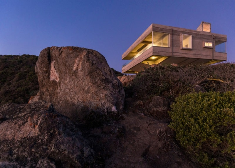Chilean villa with a spectacular sea view