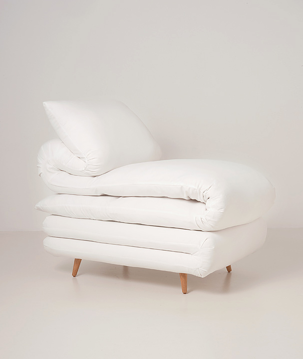 Sleepy Chair Made from mattresses by Daisuke Motogi 5