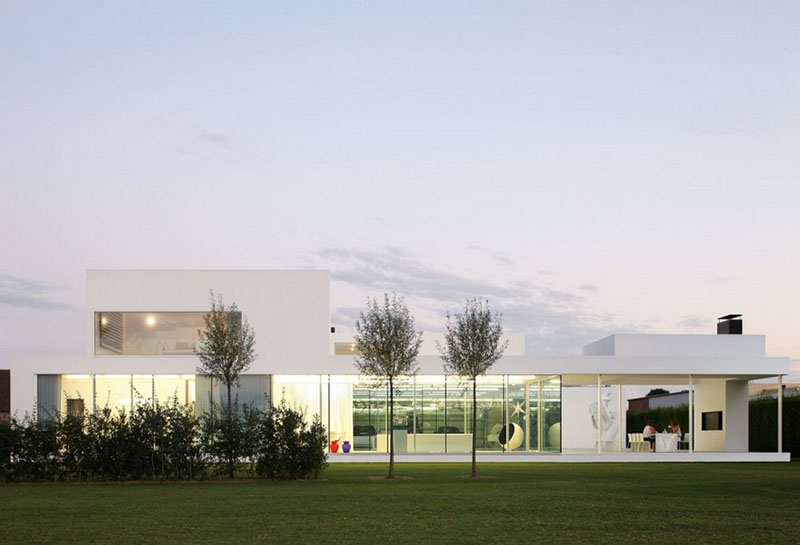 Villa V in T by Beel & Achtergael Architects 1