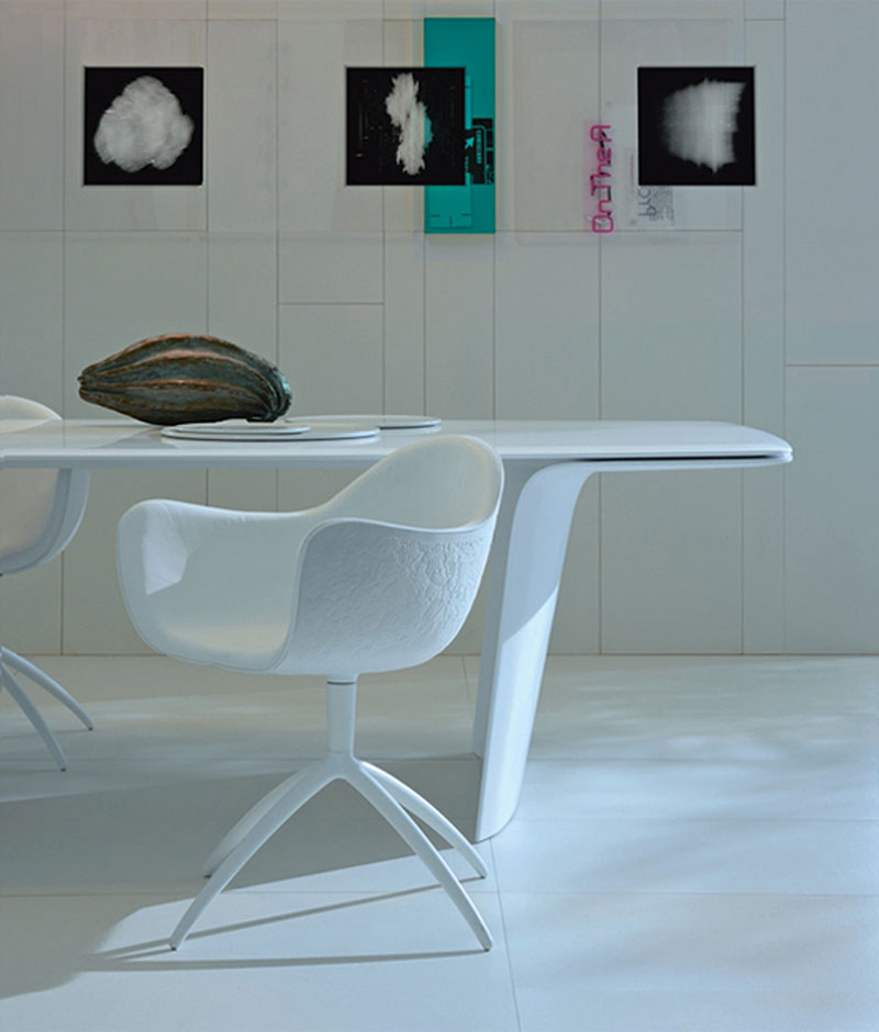 Futuristic Dining Table Air by Poliform 5