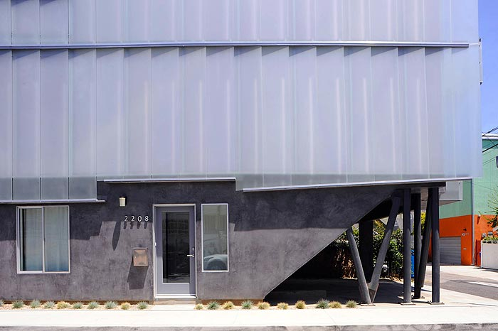Glass Townhouses by Sander Architects side view