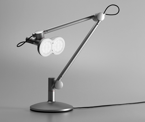 LOBOT desk lamp by studioLOBOt