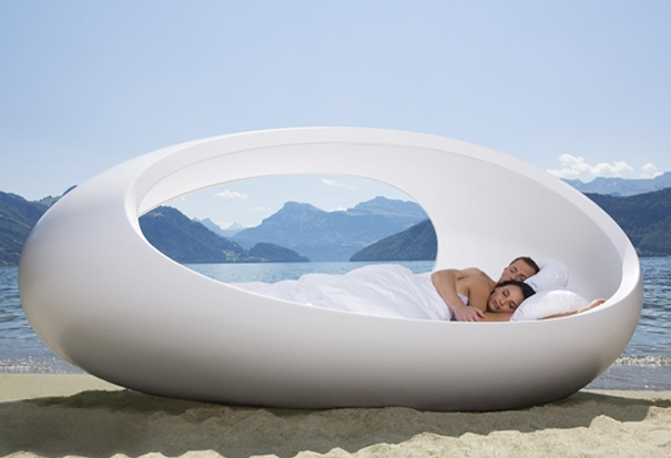 LOMME egg shaped bed 1