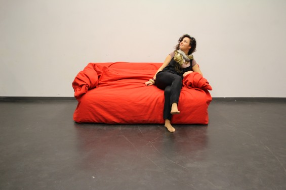 Moody Couch by Hanna Emelie Ernsting 11