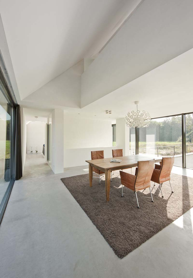 Villa Geldrop by Hofman Dujardin Architects 11