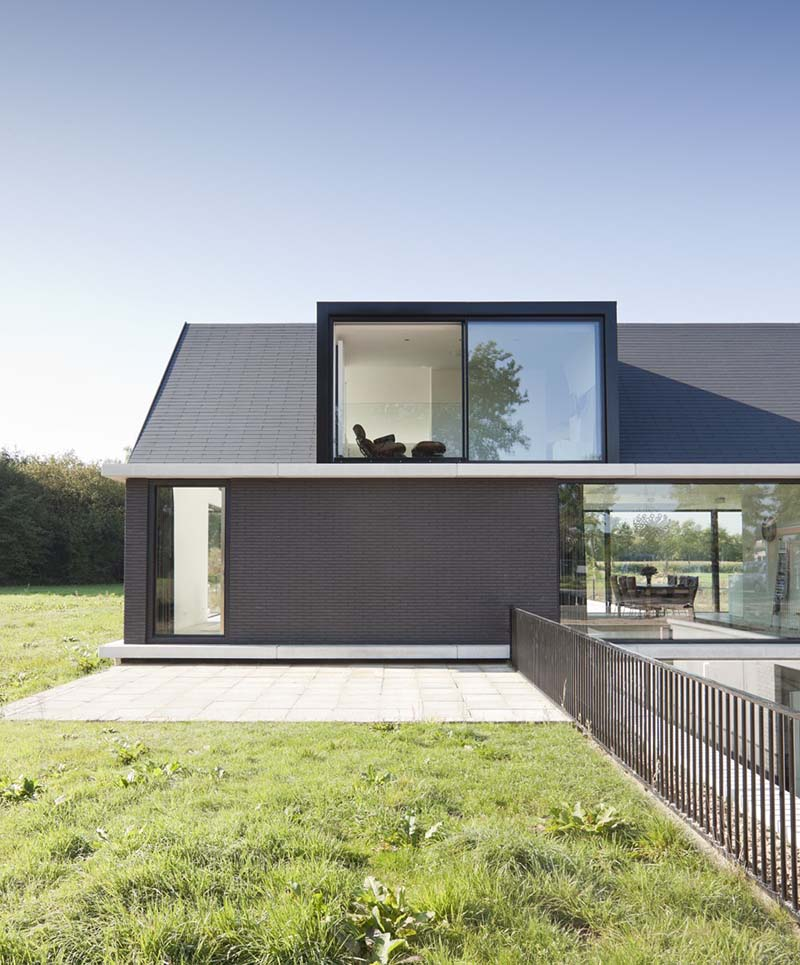 Villa Geldrop by Hofman Dujardin Architects 7