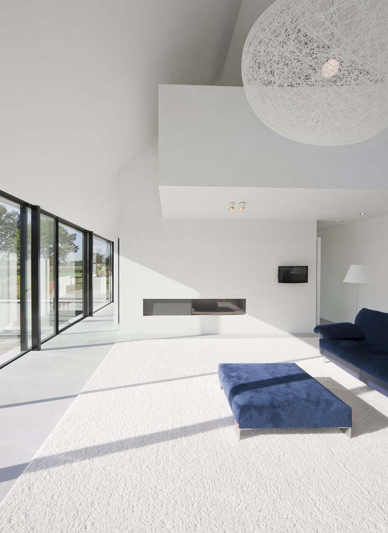 Villa Geldrop by Hofman Dujardin Architects 9