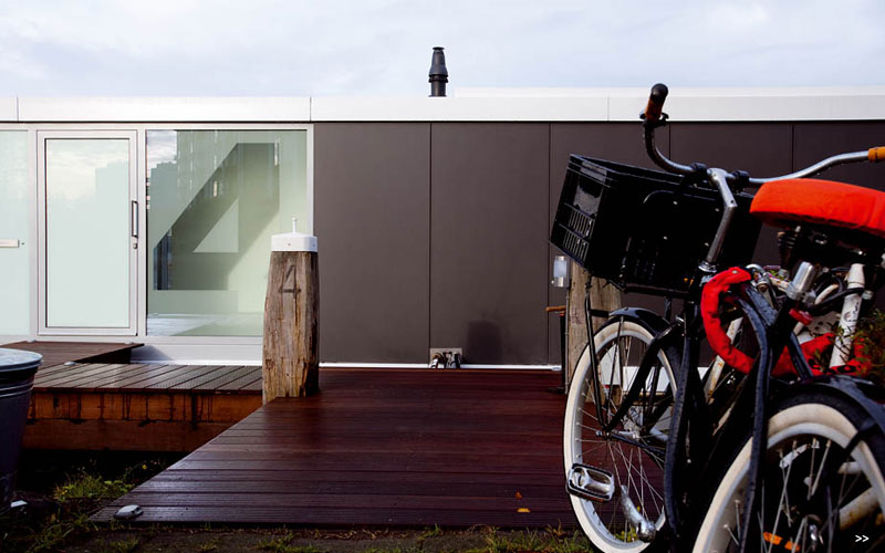 Watervilla De Omval Houseboat by Plus31 Architects 7