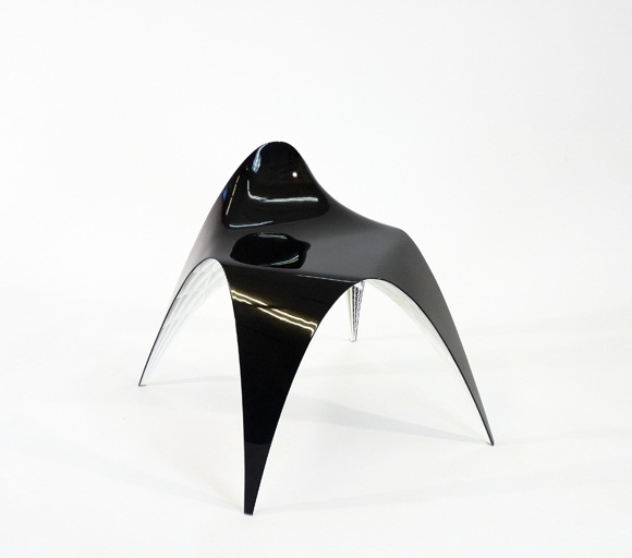 The Gaudi Chair with small duck-tail backrest 1