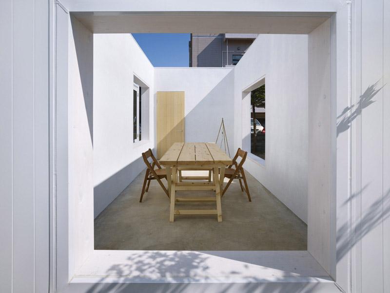 House I by Yoshichika Takagi 9
