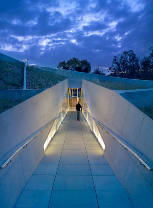 Los Angeles Museum of the Holocaust by Belzberg Architects 12