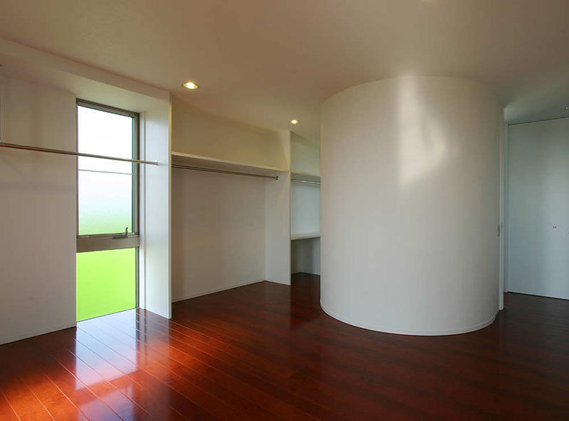 Minimalist Modern Living Space by Studio Green Blue 3