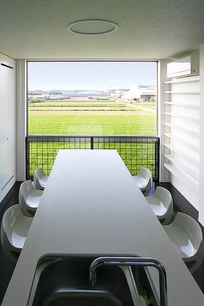 Minimalist Modern Living Space by Studio Green Blue 7