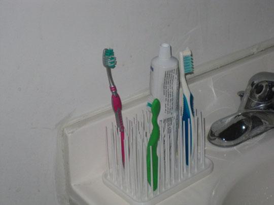 Umbra Grassy Rubber Bathroom items Organizer 2