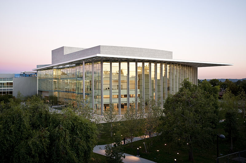 Valley Performing Arts Center by HGA Architects 1
