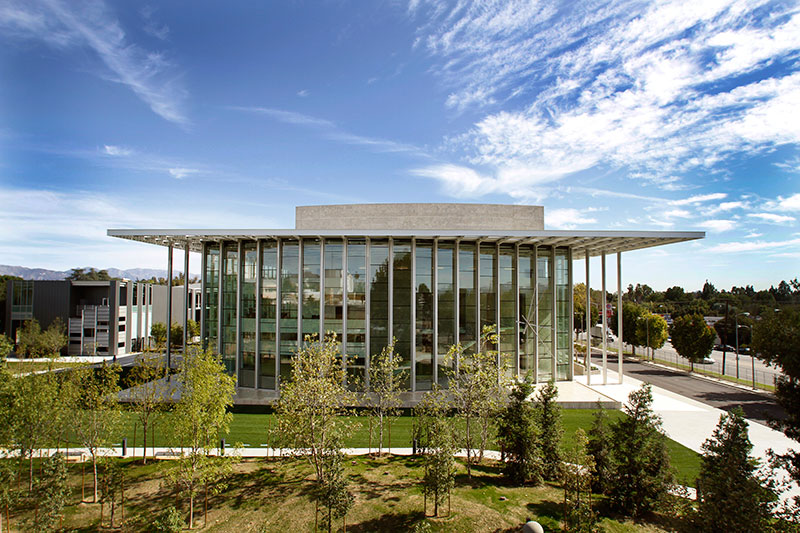 Valley Performing Arts Center by HGA Architects 2