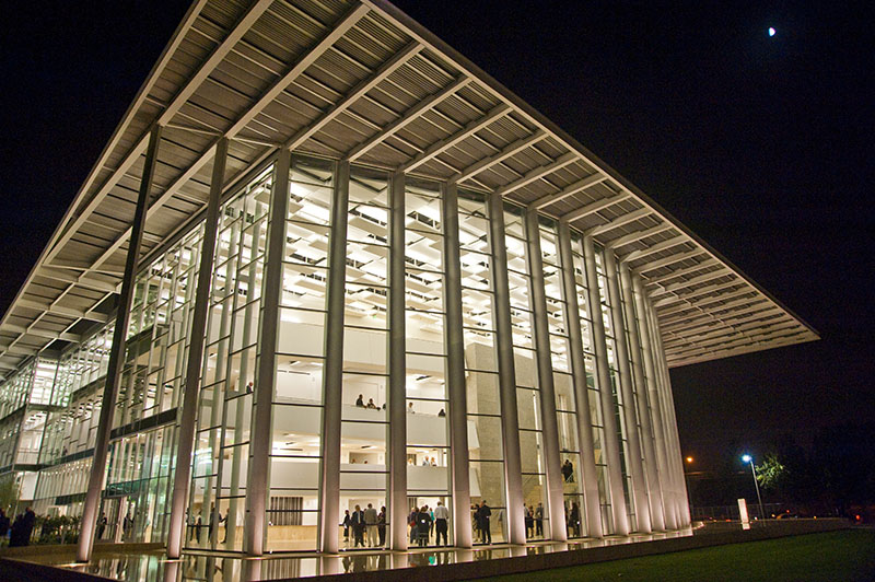 Valley Performing Arts Center by HGA Architects 3