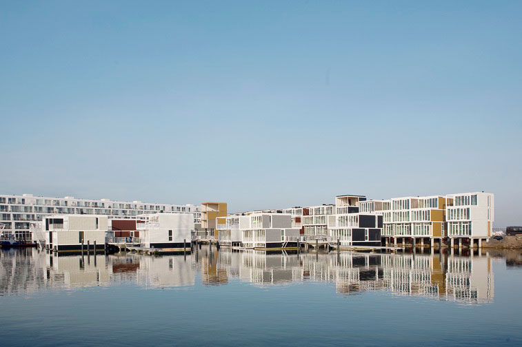 Hybrid of a House and a Boat - Waterdwellings on IJburg 2