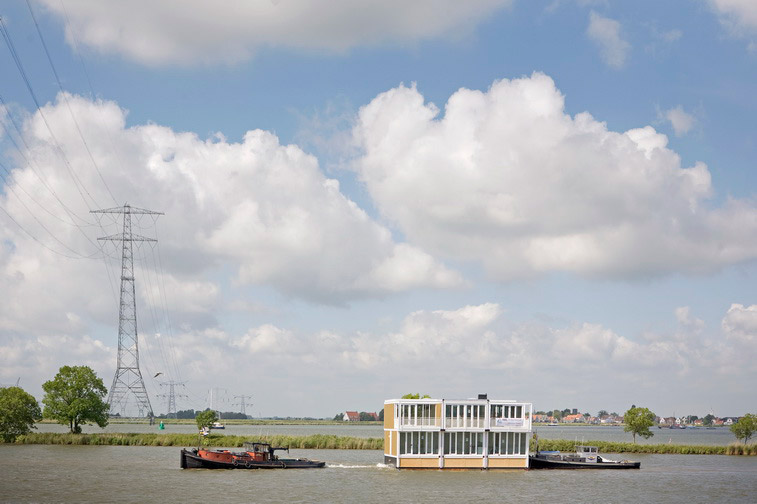 Hybrid of a House and a Boat - Waterdwellings on IJburg 9