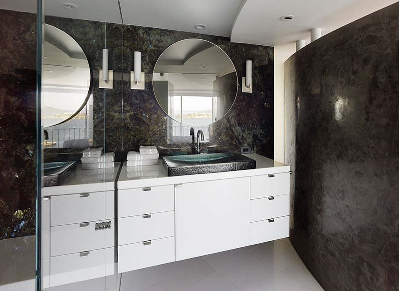Fontana Apartment Bathroom Design