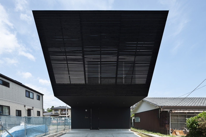 Lift House by Apollo Architects and Associates 1