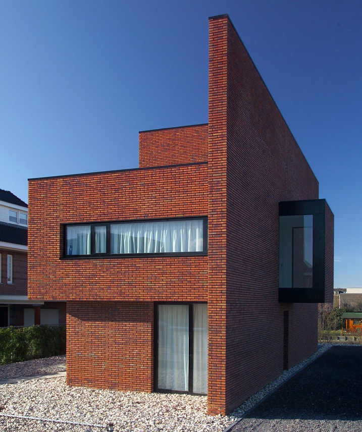 Brick Wall House by 123DV Architecture 3