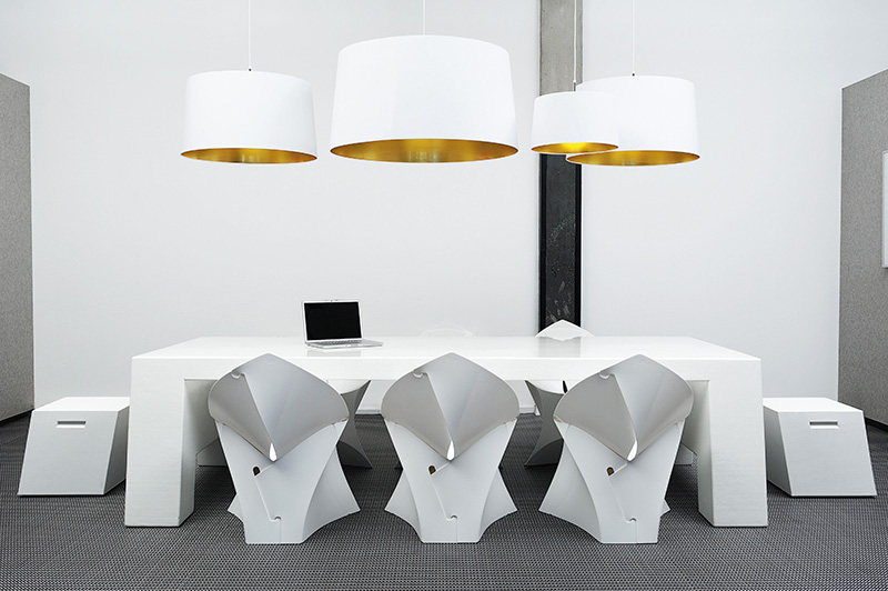 Light and Flexible Flux Chair 8