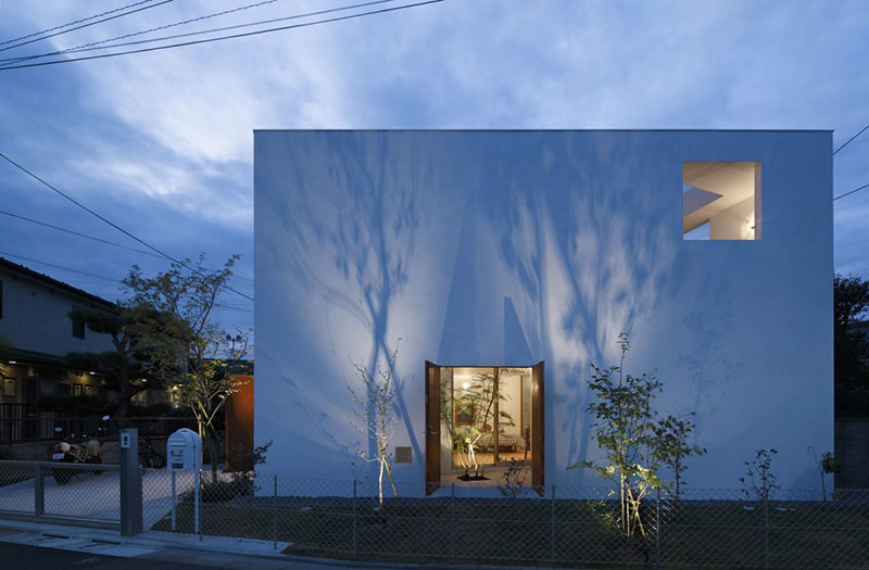 Inside Out House by Takeshi Hosaka Architects 2