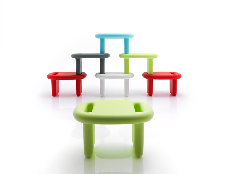 Snoop Stool by Karim Rashid 1