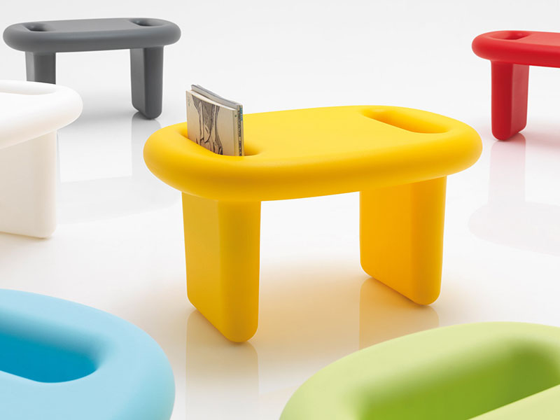 Snoop Stool by Karim Rashid 2