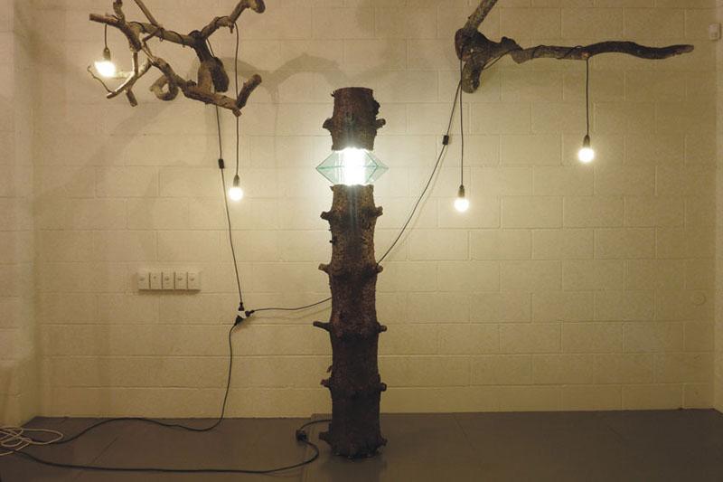 Log Lamp by Joel Booy and HAW 1