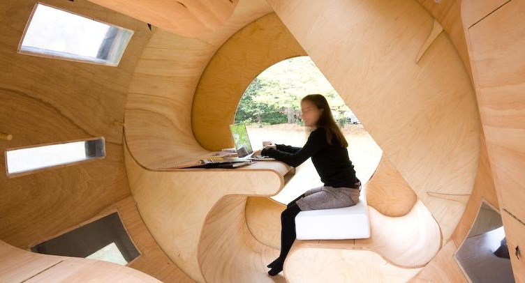 Cylindrical rotating house roll it 2