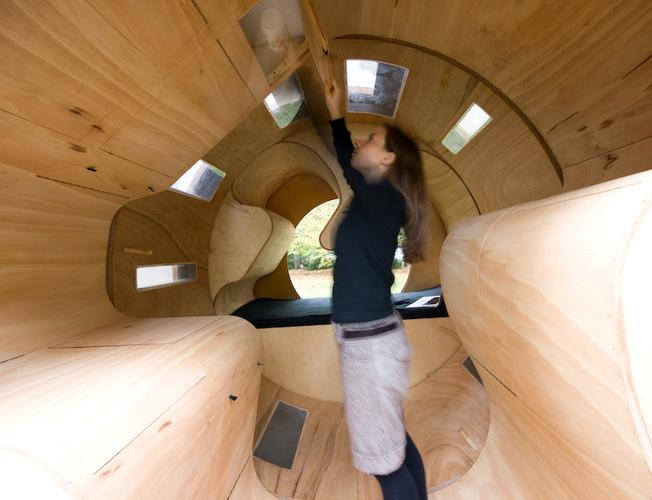 Cylindrical rotating house roll it 5