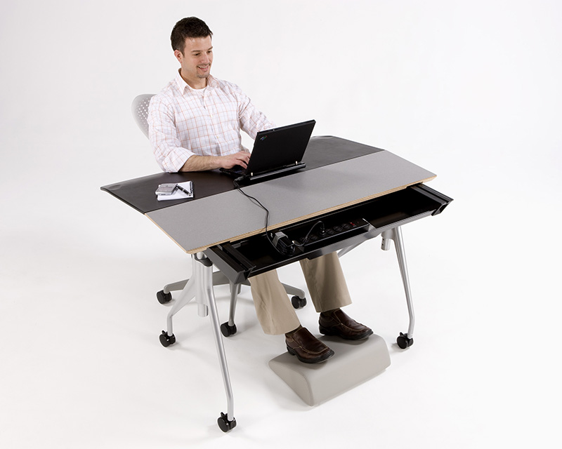 Envelop Office Desk 7