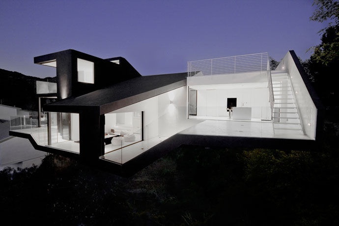 Nakahouse by XTEN Architecture 8