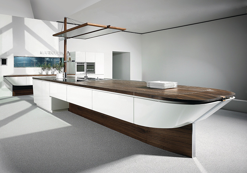 Marecucina kitchen shaped like boat 1