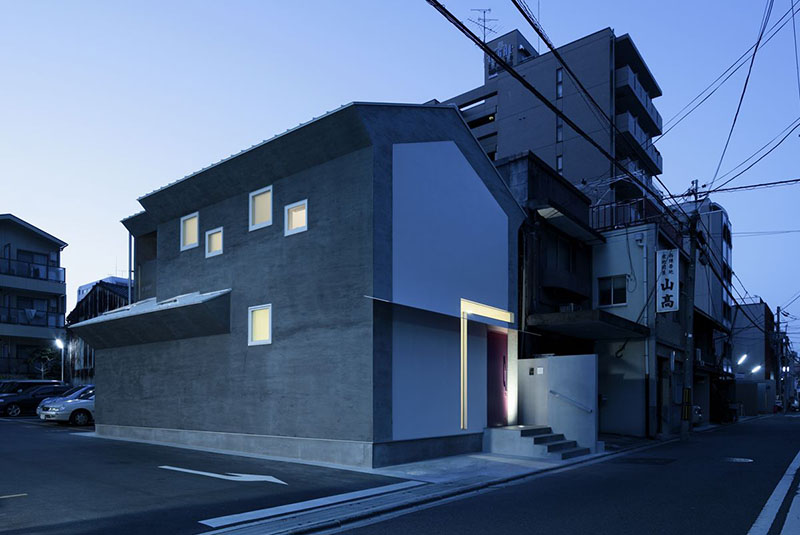 Keyhole House in Kyoto, Japan 10
