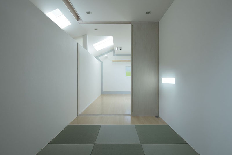 Keyhole House in Kyoto, Japan 7