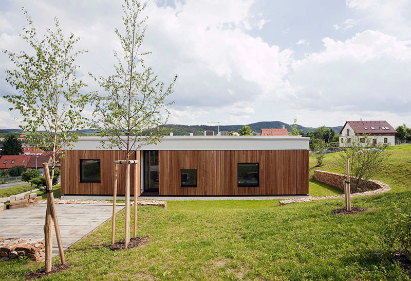 Family House In Kraluv Dvur 3