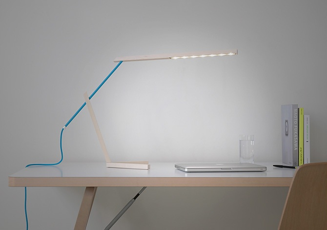 Mantis Desk Lamp 4