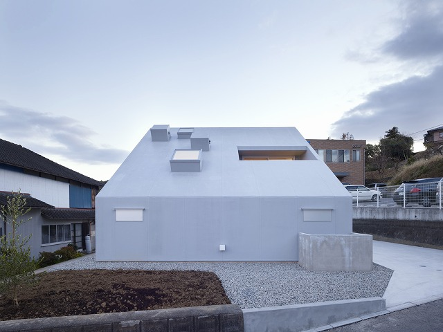Cloudy House by Takao Shiotsuka Atelier 3