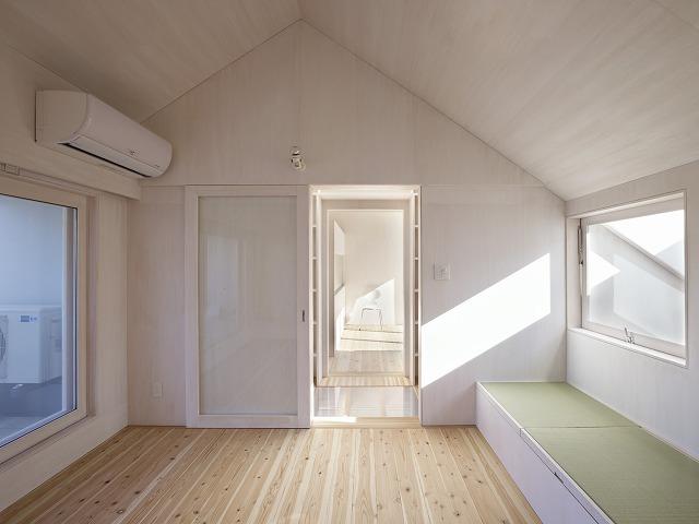 Cloudy House by Takao Shiotsuka Atelier 8