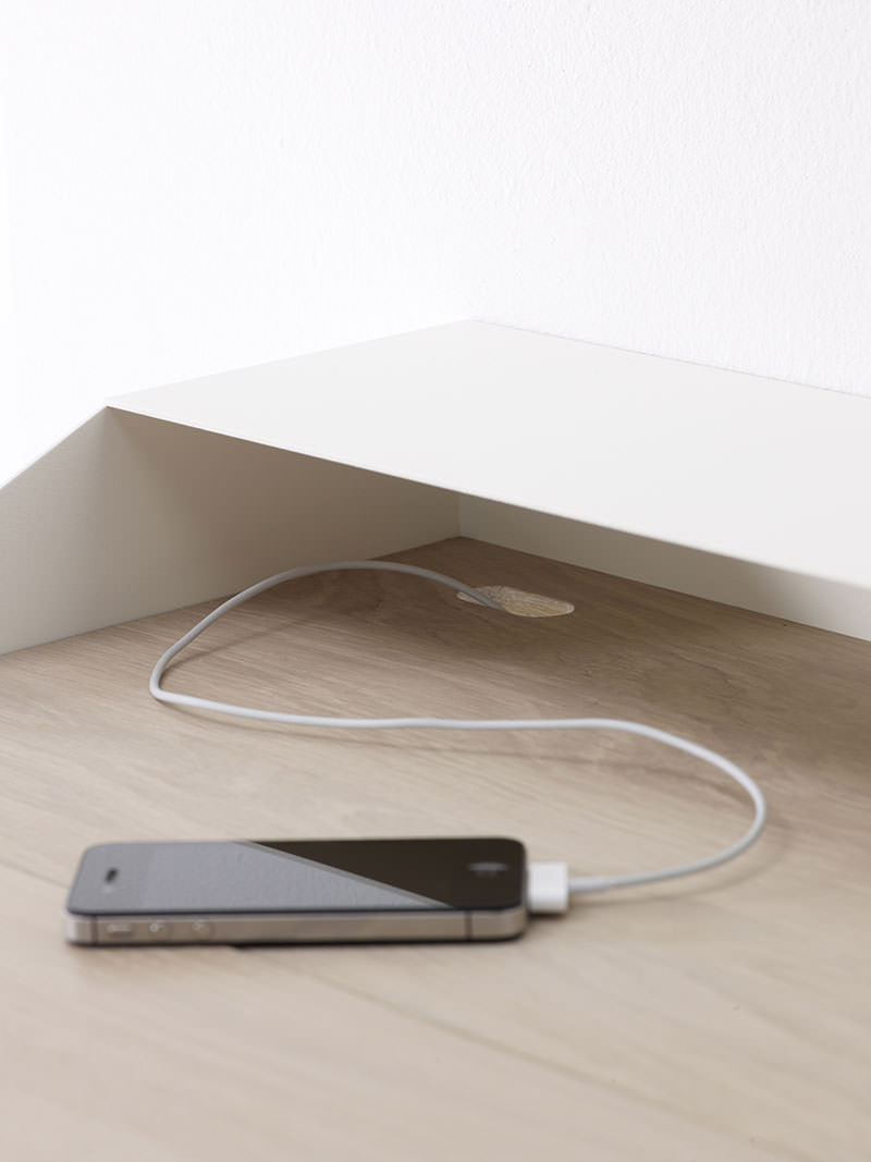 Deskbox Cable manager