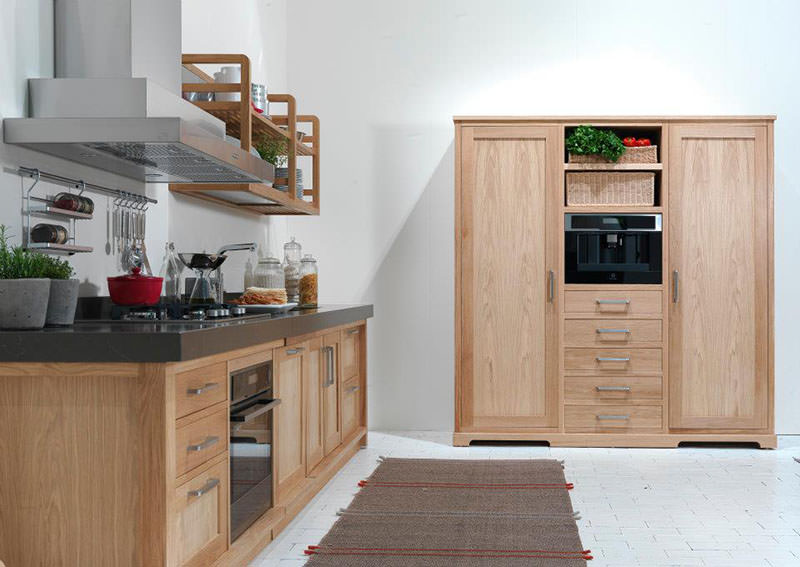 Seven Days Elegant Wooden Kitchen Design
