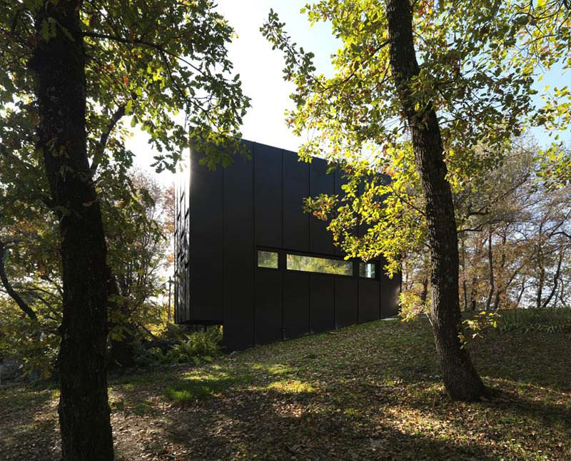 Guest House in Bologna by Enrico Iascone