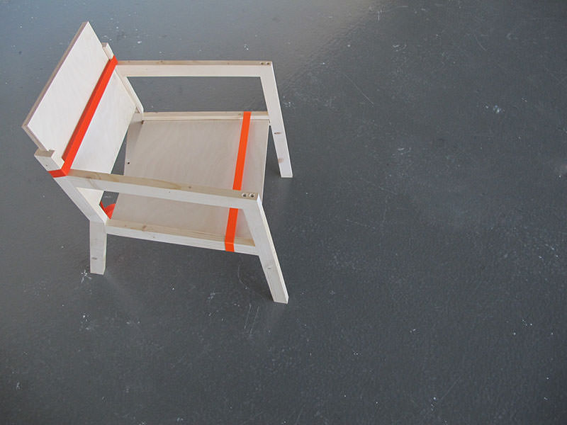 Movable Presence Flat-pack Chair by Naty Moskovich