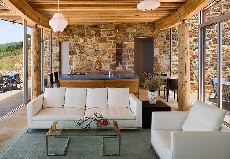 Dani Ridge House Minimalist Living Room Design