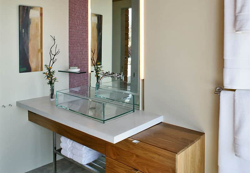 Dani Ridge Hill House Minimalist Bathroom Design