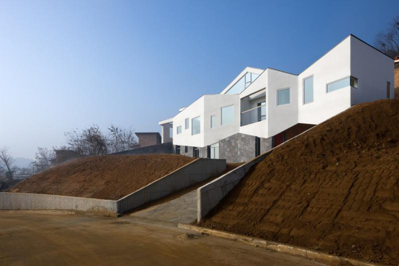 Panorama House with a Slide by Moon Hoon